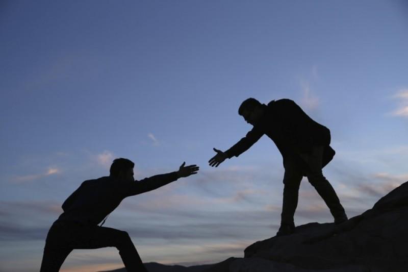 Đến khi hoạn nạn , mới biết ai là bạn .