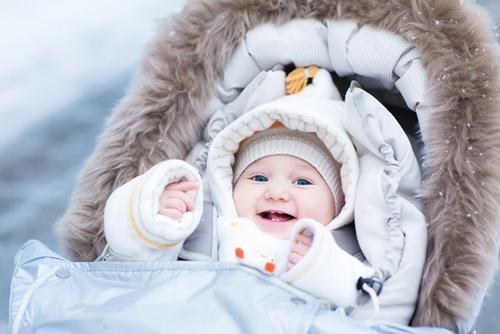 Giữ ấm cho em bé