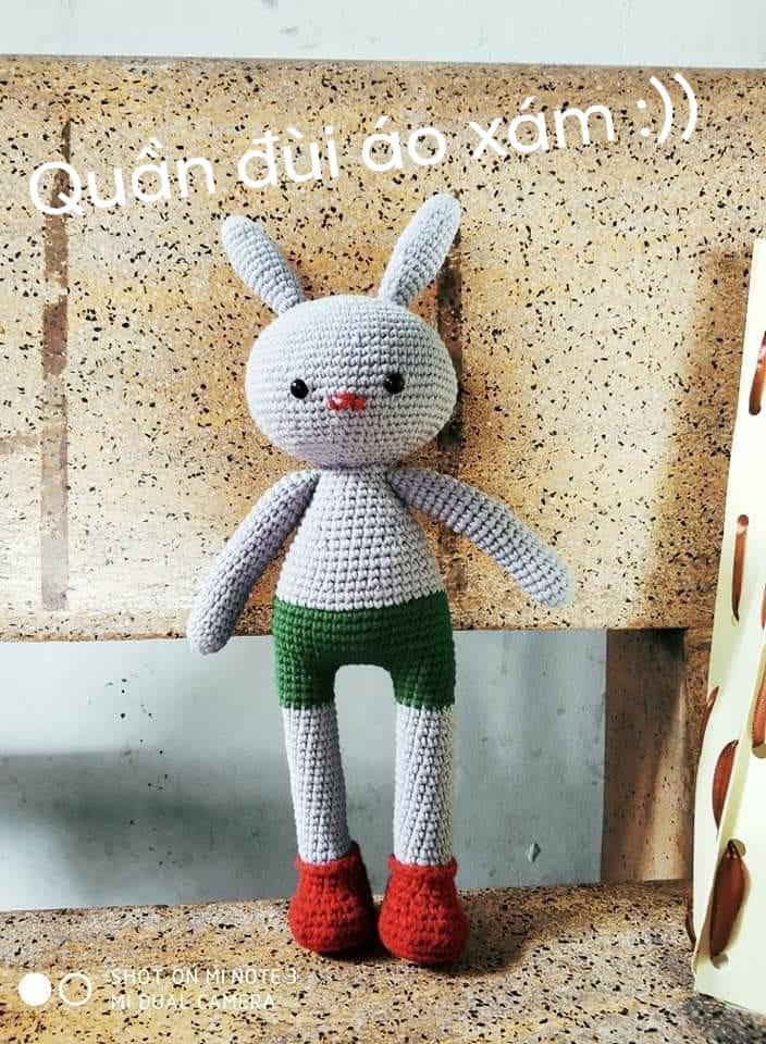 Thỏ Raby quần đùi