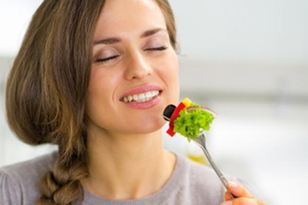 khỏe mạnh bằng việc tập trung ăn uống