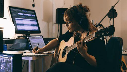 Công việc sáng tác nhạc