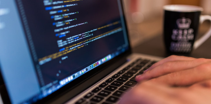 Nhân viên lập trình phát triển phần mềm