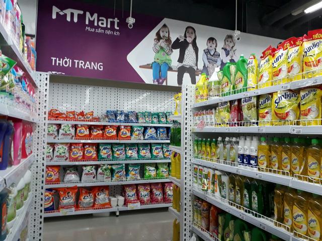 Nhu yếu phẩm ở cuối siêu thị