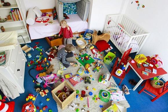 Phạt khi trẻ ném đồ chơi lung tung