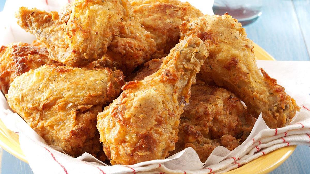 Southern Fried Chicken with Gravy exps33285 THRAA2874593C01 23 1b RMS