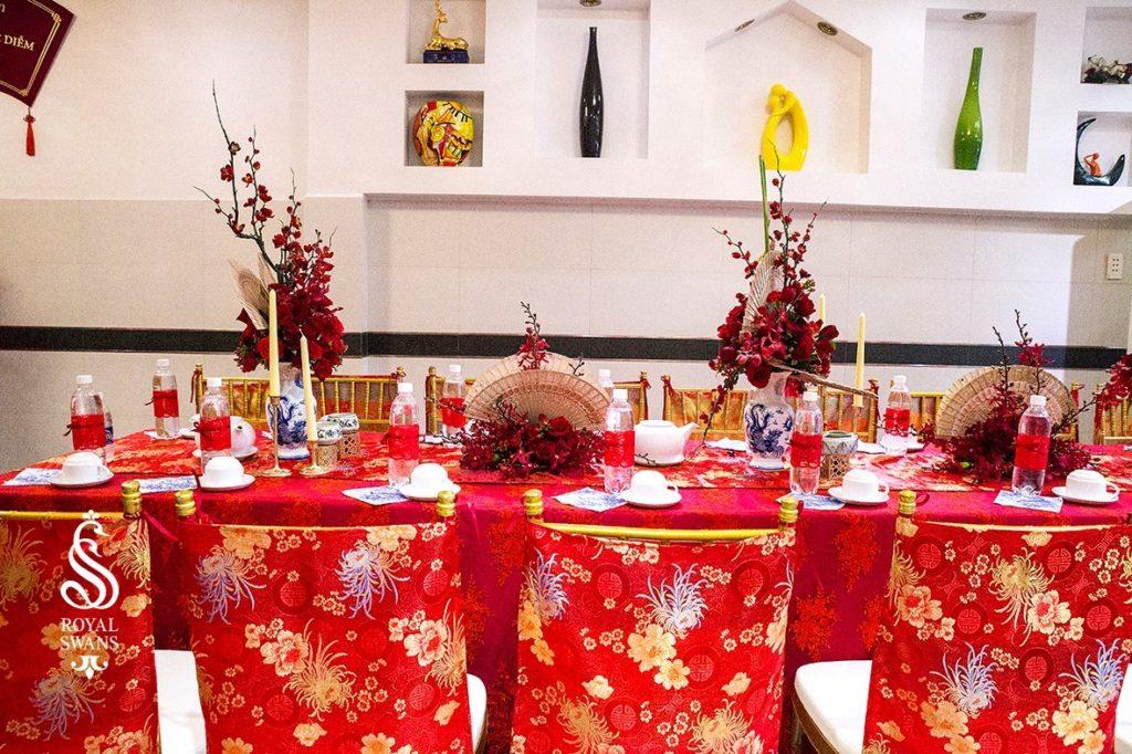 Trang trí bàn tiệc tiếp khách