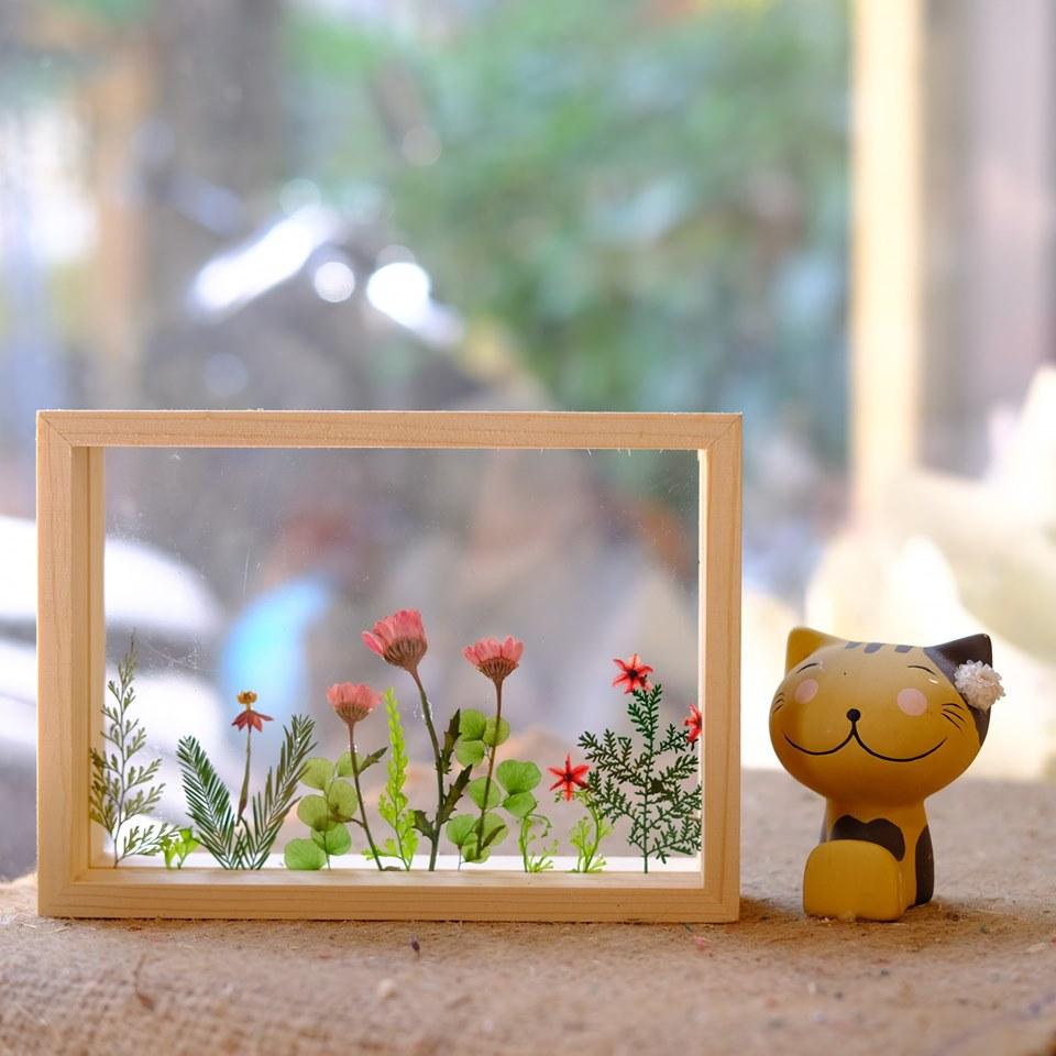 Tranh hoa ép kính thủy tinh độc đáo