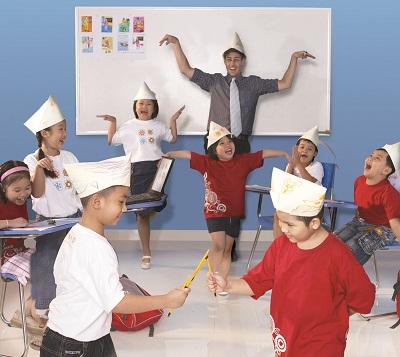 Vận động vui vẻ trước buổi học