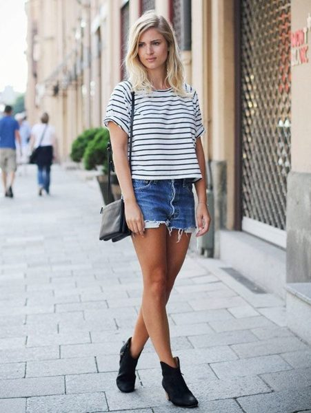 pasted image Quần short jeans mix cùng áo kẻ