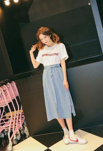 Chân váy denim và áo phông