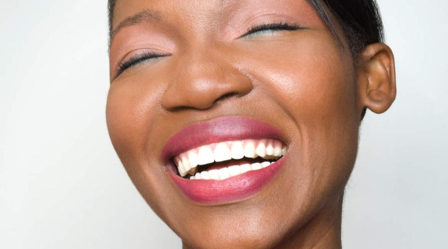 Đánh răng đúng cách để giữ nụ cười đẹp hoàn hảo