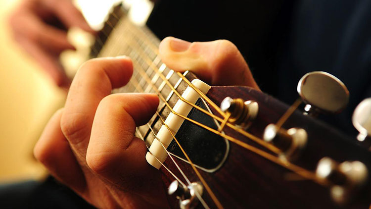 10 dieu can biet khi moi hoc choi guitar 1