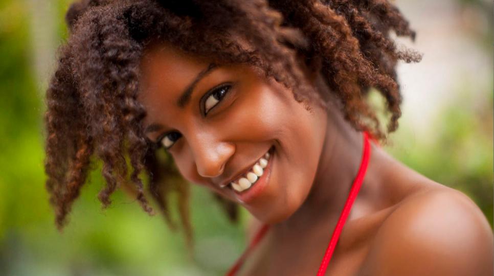 Bảo vệ nụ cười đẹp đồng nghĩa với bảo vệ sức khỏe của bạn