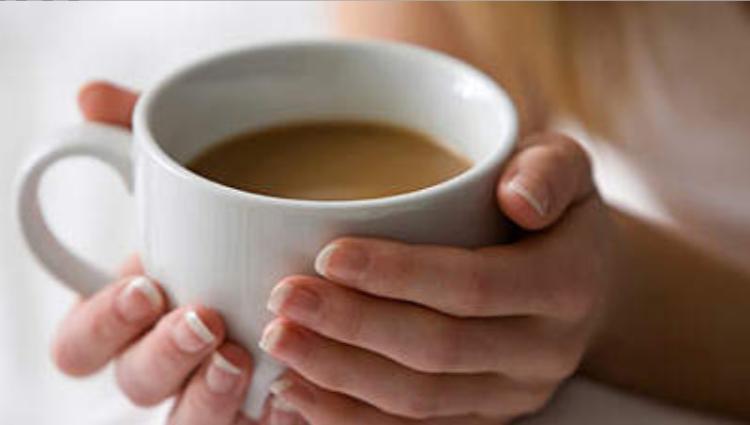 Dĩ nhiên rồi, uống cà phê thì làm sao ngủ được, thức đến sáng mất