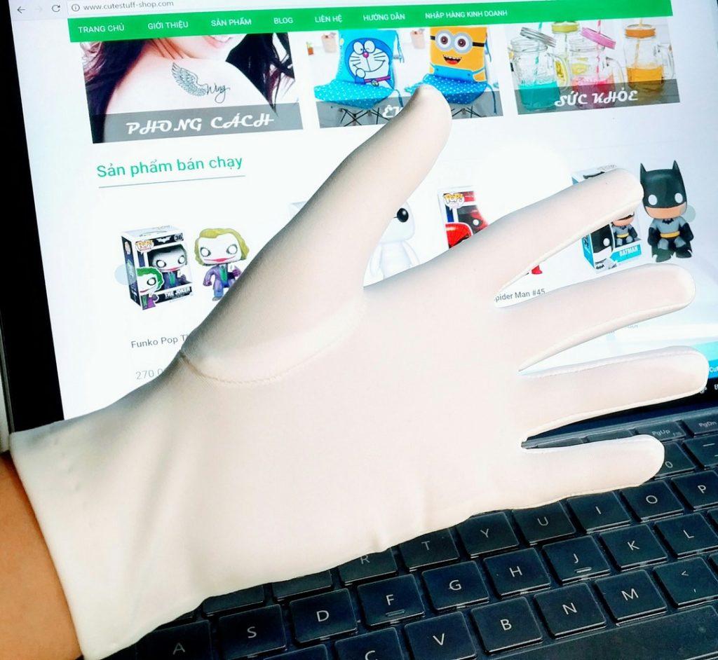 Găng tay màu trắng đẹp (Copy)