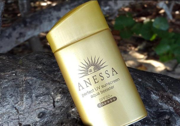Kem chống nắng Anessa Perfect UV Sunscreen Aqua Booster SPF50+ PA++++