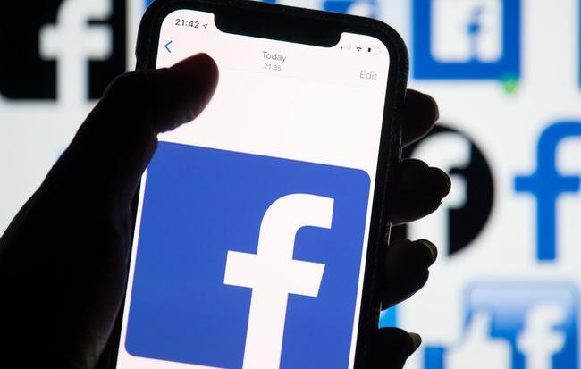 Không ló mặt lên Facebook