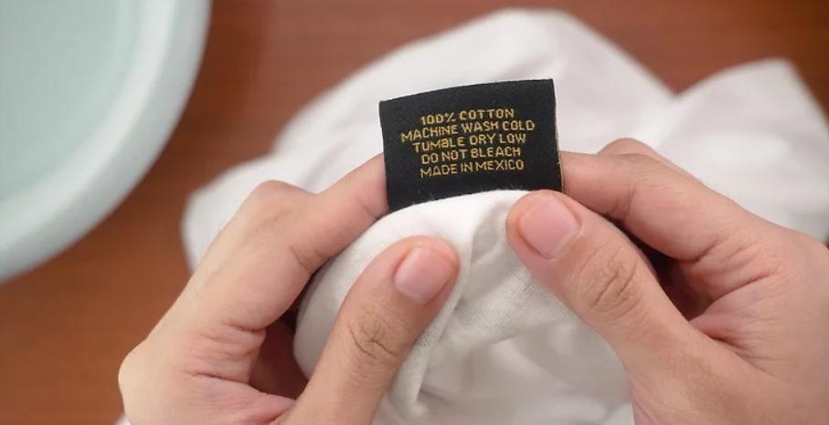 Kiểm tra chất liệu áo để khắc phục đúng