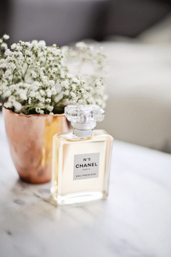 Nước hoa Pháp tạo nên vẻ đẹp quyến rũ