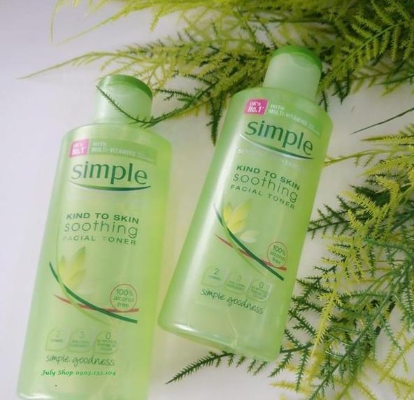 Nước hoa hồng Simple Kind To Skin Soothing Facial Toner có đáng mua