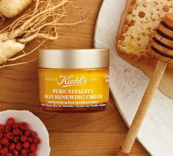 Sản phẩm giúp dưỡng da sau khi nặn mụn