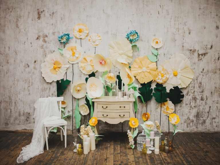 backdrop hoa giấy xốp