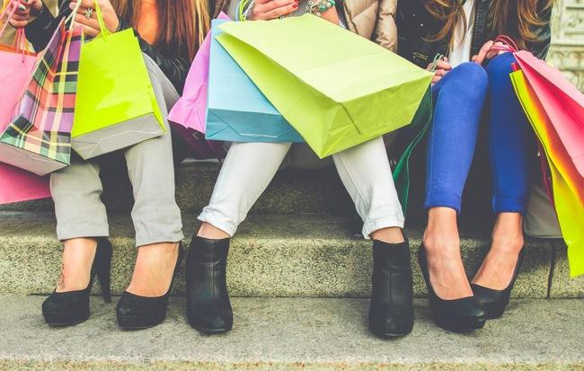 Đi shopping dạo phố.