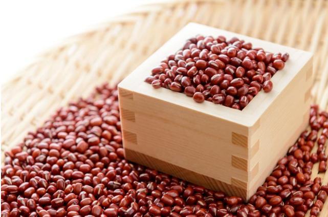 Cách trị mụn ở lưng bằng bột đậu đỏ
