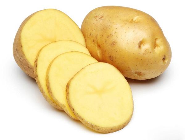 Dưỡng môi bằng khoai tây