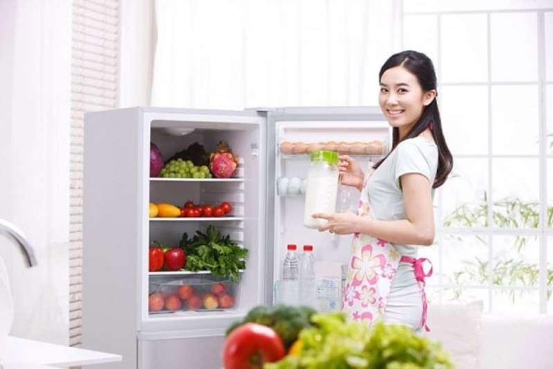 Không tích trữ nhiều đồ ăn trong tủ lạnh ngày Tết