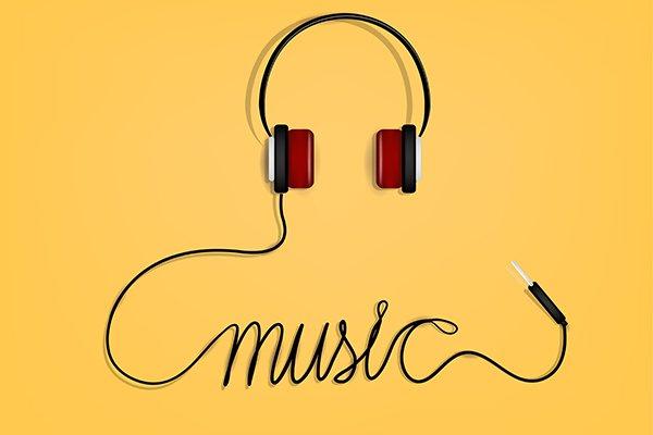 Nghe một bài nhạc yêu thích