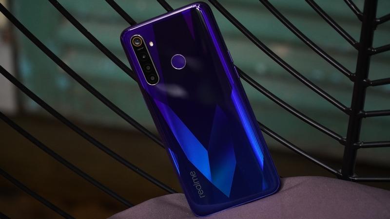 Realme 5 Pro nên mua tháng 12