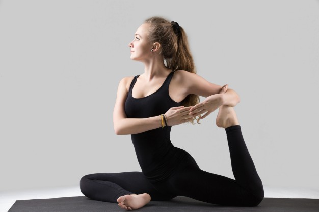 Tập yoga hoặc aerobic