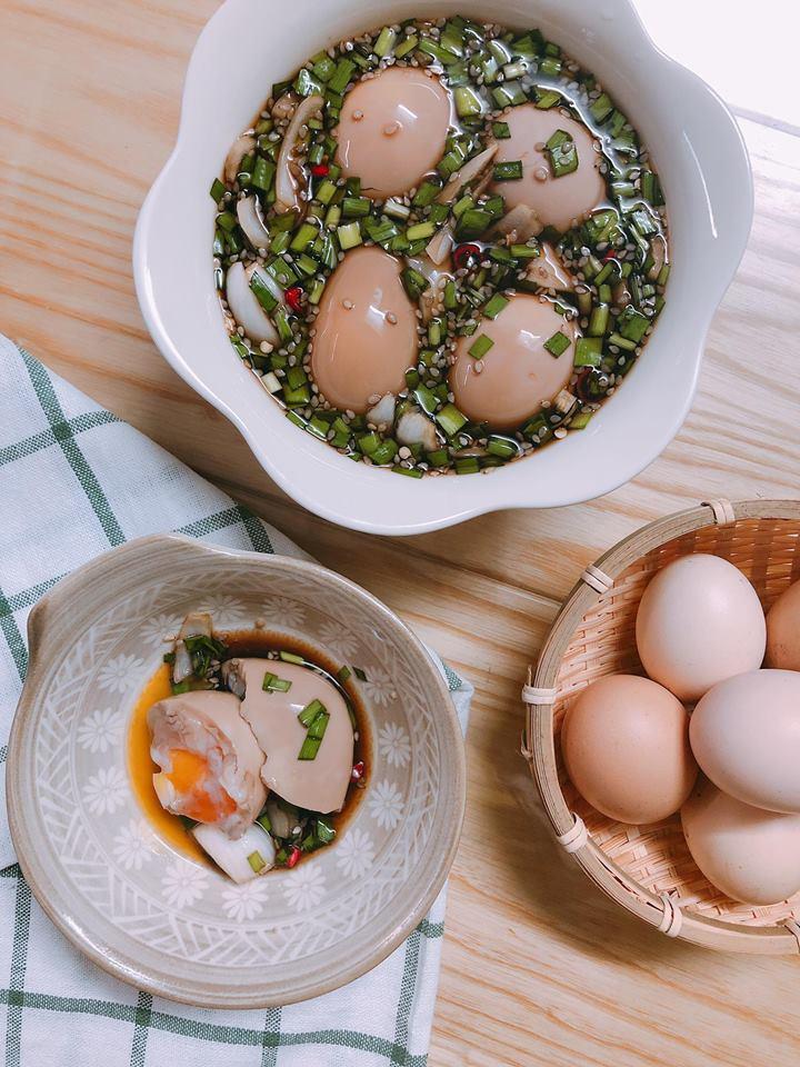Trứng gà ngâm nước tương