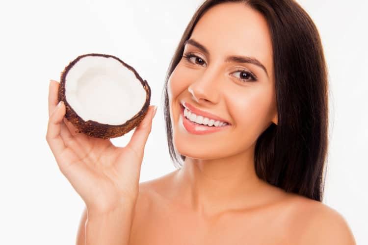 dầu dừa giảm đau răng