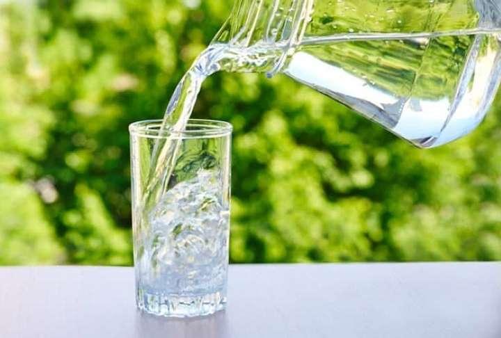 uống đủ 2 lít mỗi ngày