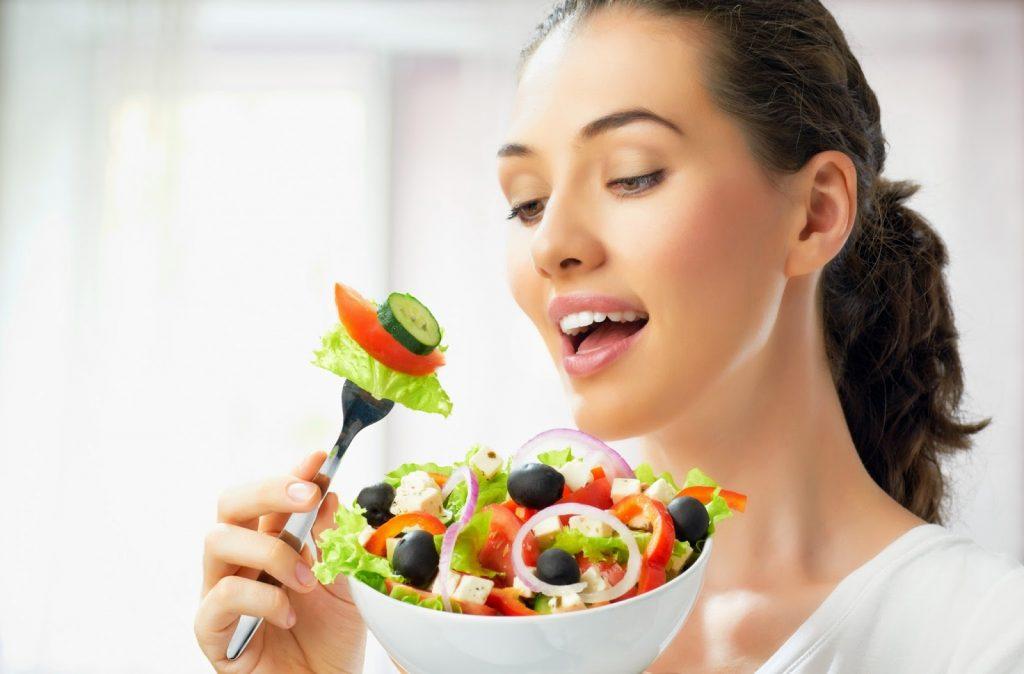 ăn nhiều rau xanh mỗi ngày
