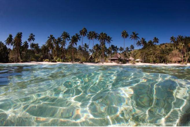 Đến Phú QUốc phải thăm hòn Thơm để tận hưởng làn nước trong xanh