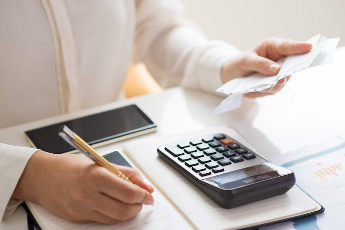 Luôn ghi chép các khoản chi tiêu hàng ngày