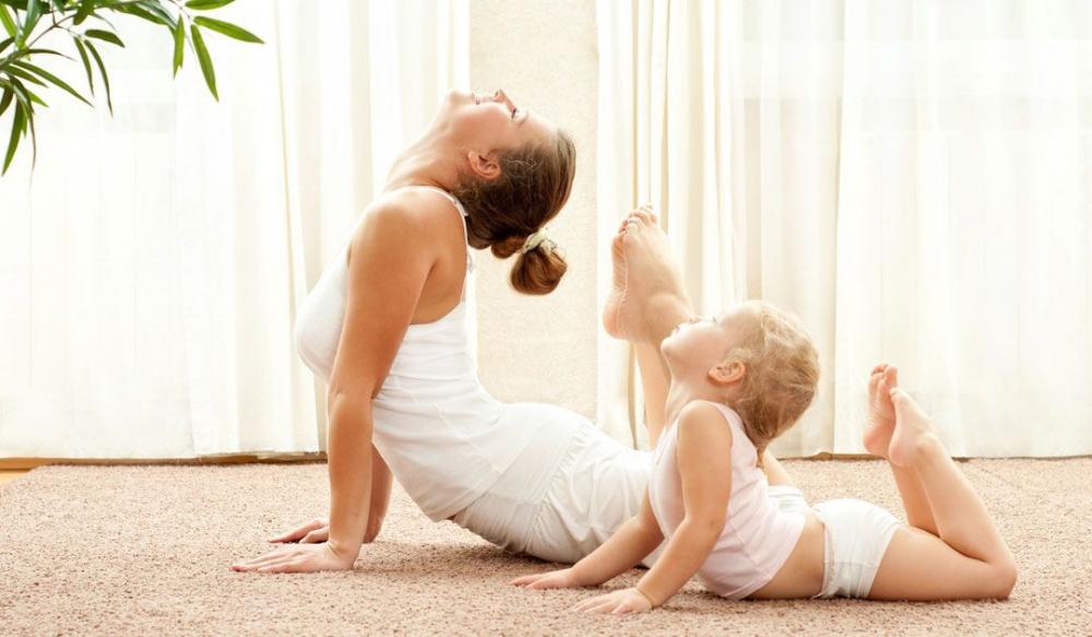 8tre em tap yoga co tot khong 1 phunutodayvn 0140 phunutoday