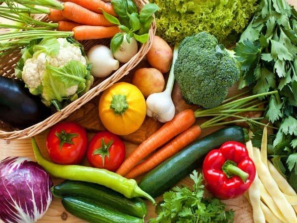 Các loại rau xanh và hoa quả
