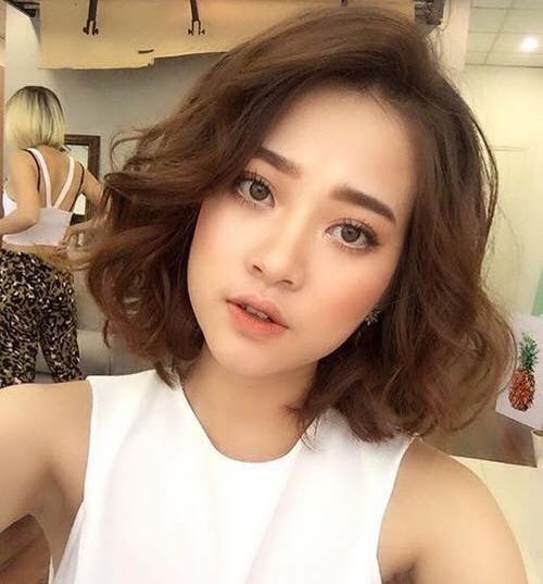 Mẫu tóc ngắn uốn xoăn kiểu Hàn