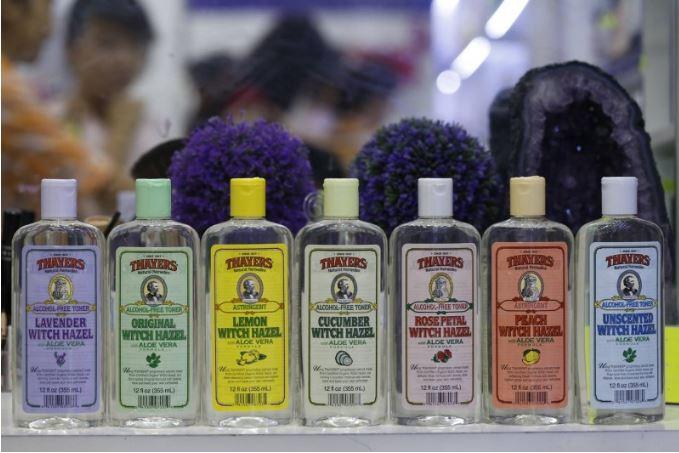 Nước hoa hồng Thayers với đa dạng mùi cho các chị em da dầu thoải mái lựa chọn