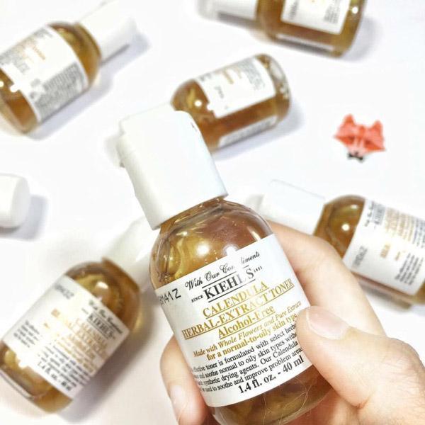 Nước hoa hồng hoa cúc Kiehl`s Calendula Herbal Extract Toner cho da nhờn