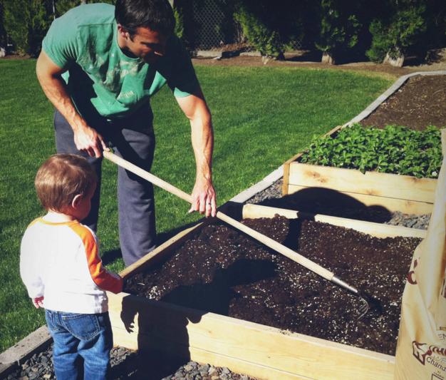 chăm sóc vườn nâng dễ dàng