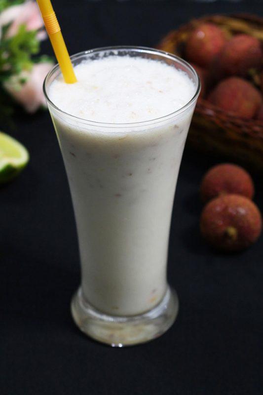 nước ép làm từ Dừa, vải thiều, cần tây