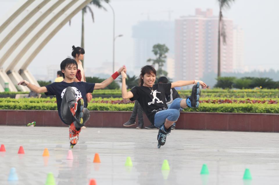 Trượt patin là môn tập phù hợp với các bạn trẻ