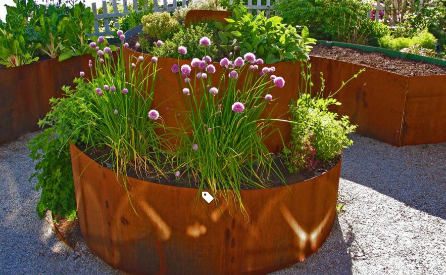 vườn nâng bằng miếng tôn
