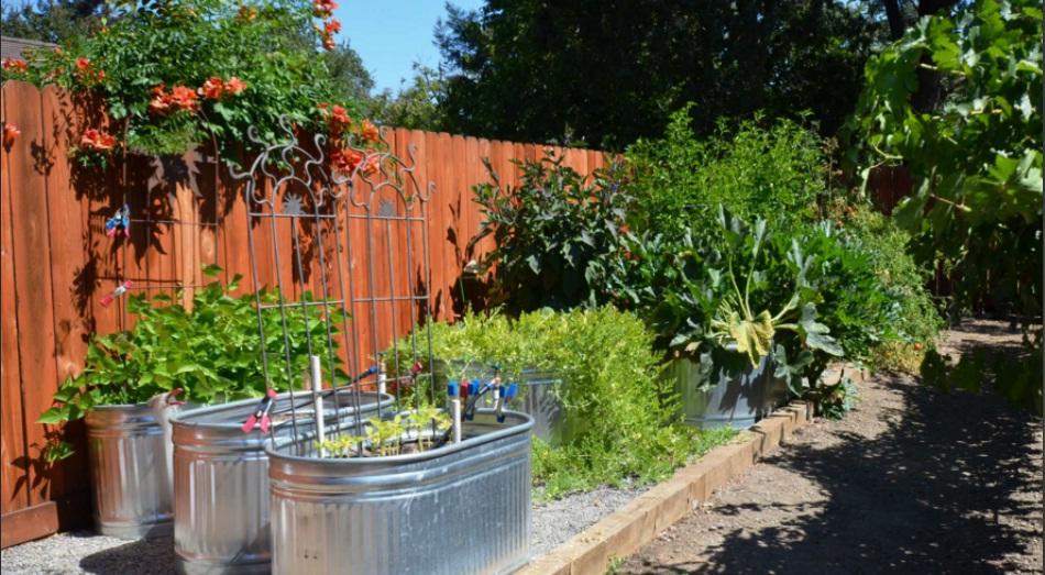 vườn nâng bằng vật liệu nhôm
