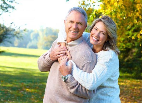 Bổ sung sữa canxi giúp xương chắc khỏe hơn khi tuổi già